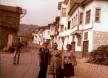 1978- Είσοδος χωριού-Ανεβαίνοντας τον Ντερέ